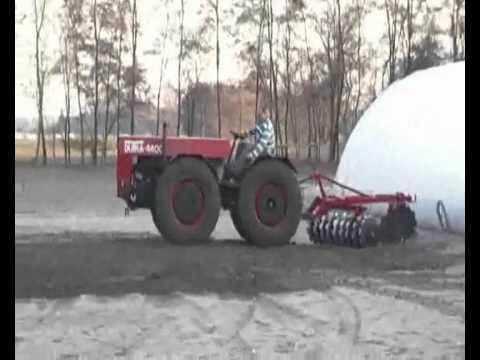 Traktor Dutra UE-50 trágyahordás farvillával Jászszentlászló ...