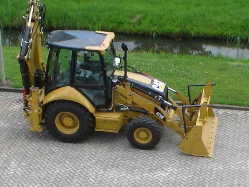 Caterpillar 416E. MotoBurg